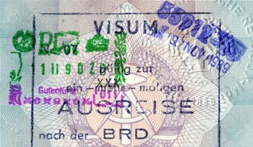 20091101-20th_Berlin_Wall-v.jpg